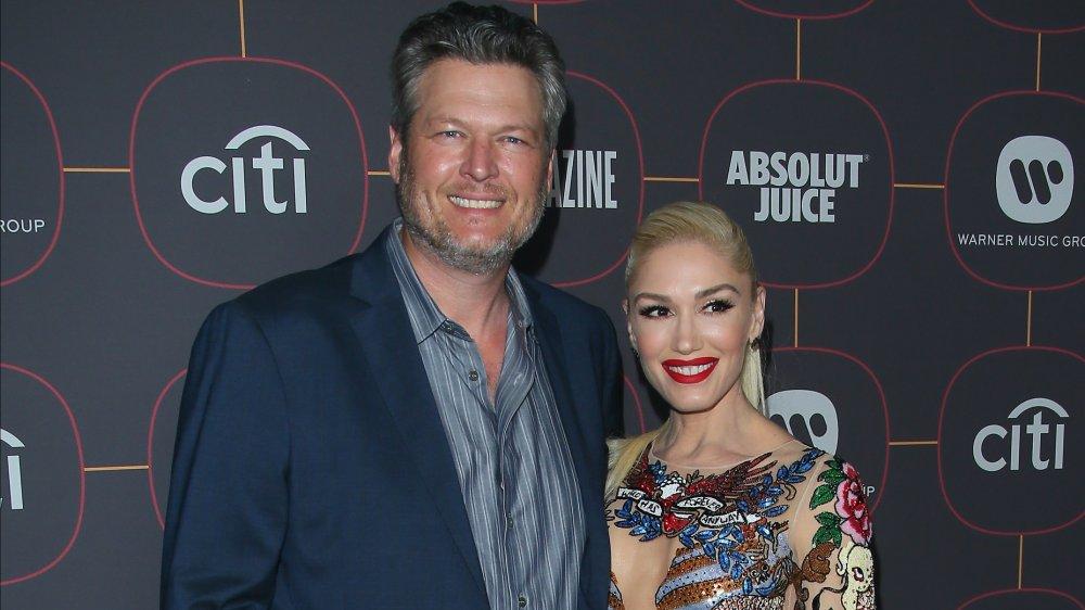 Blake Shelton y Gwen Stefani en una fiesta previa a los Grammy en 2020