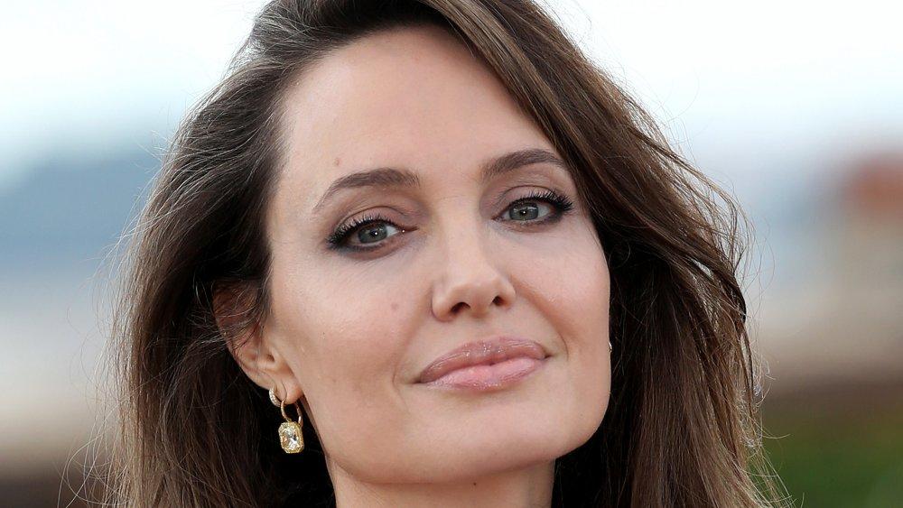 """Angelina Jolie asiste al photocall de la película """"Maleficent - Mistress Of Evil"""" en el Hotel De La Ville"""
