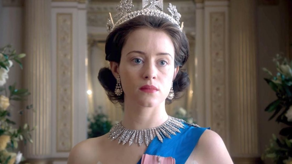 Claire Foy como Isabel II