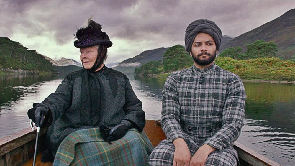 Judi Dench y Ali Fazal en Victoria & Abdul