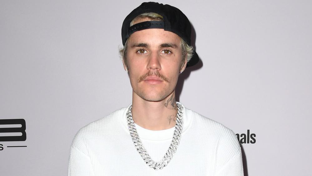 Justin Bieber posando