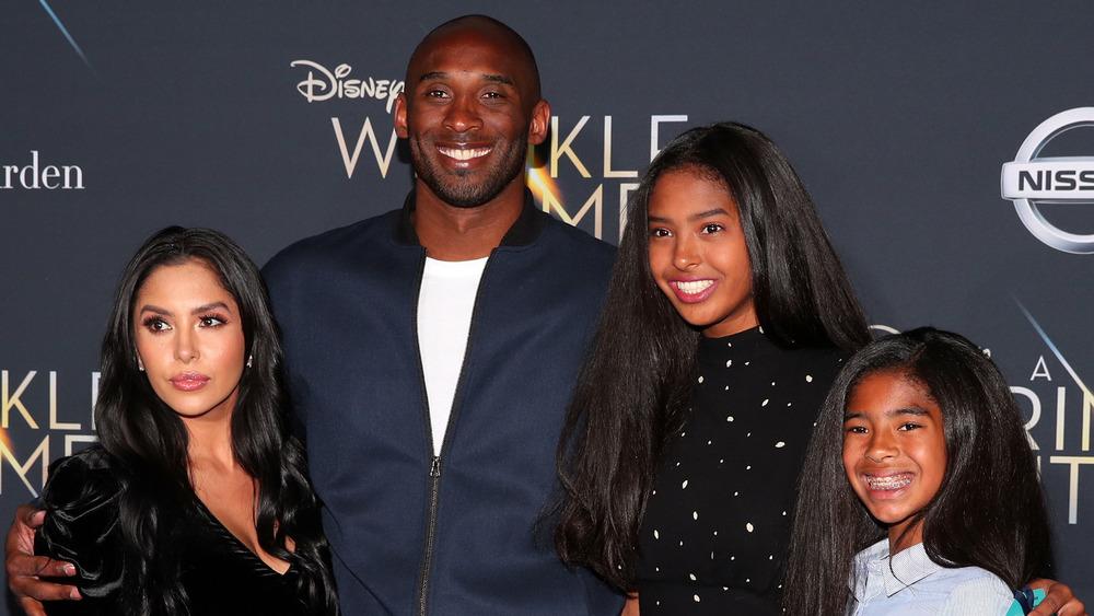 Vanessa Bryant con familia