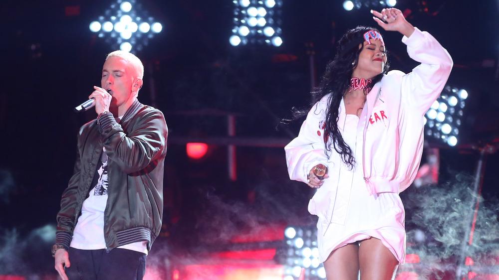 Eminem y Rihanna actuando