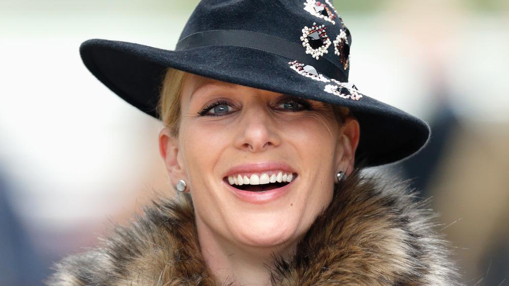 Zara Tindall sonriendo