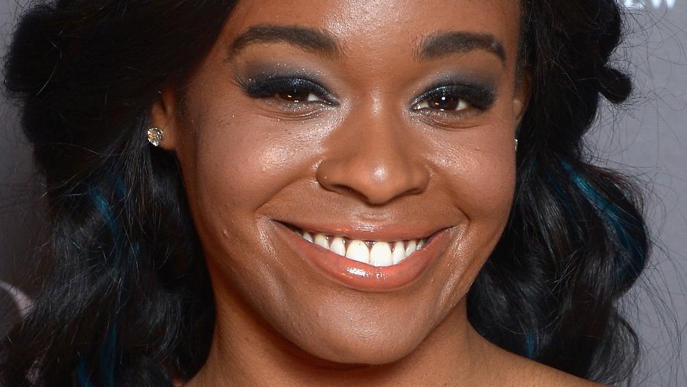 Azealia Banks sonriendo