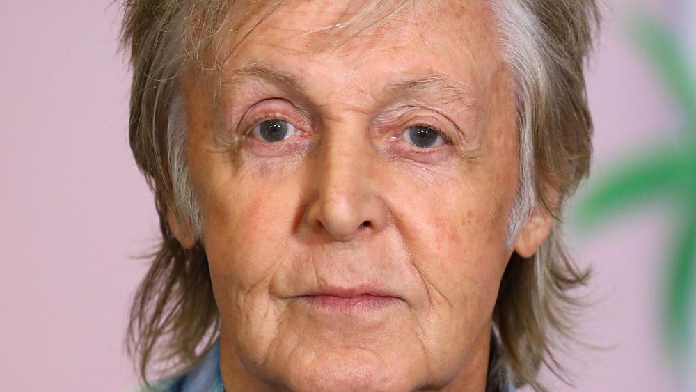 Paul McCartney en una firma de libros