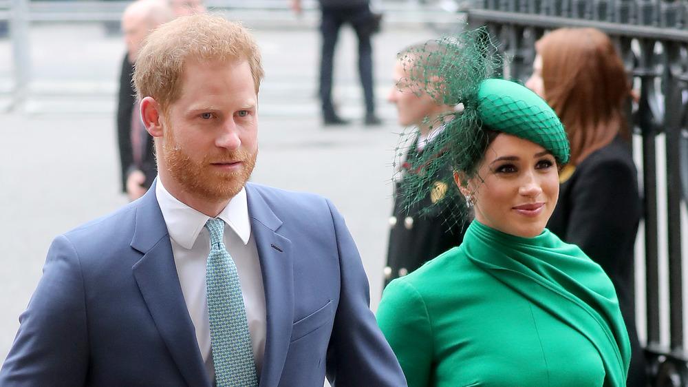 Meghan Markle y el príncipe Harry en un evento