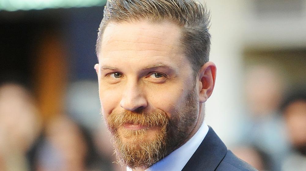 Tom Hardy asiste al estreno británico de Legend en 2015