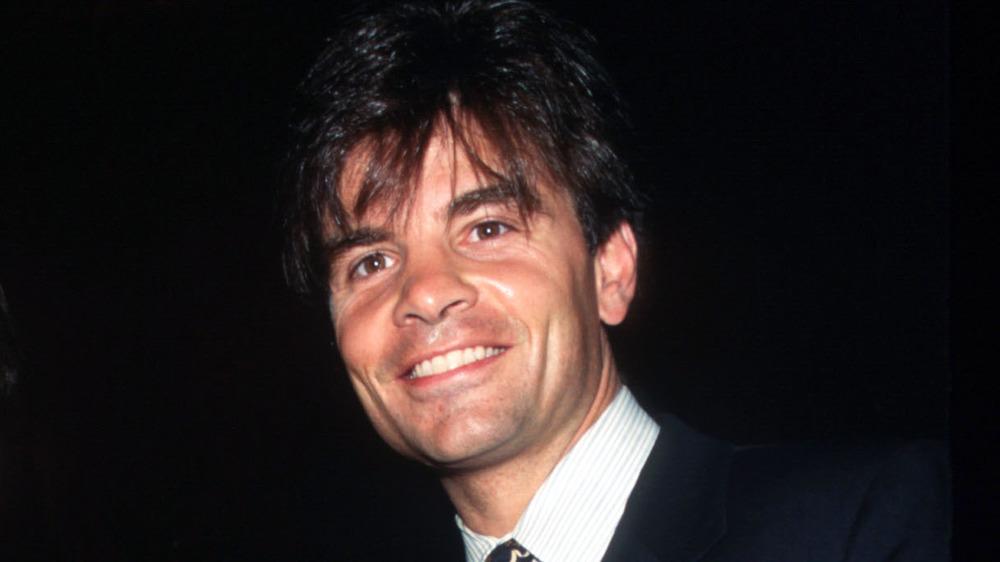 Joven George Stephanopoulos sonriendo