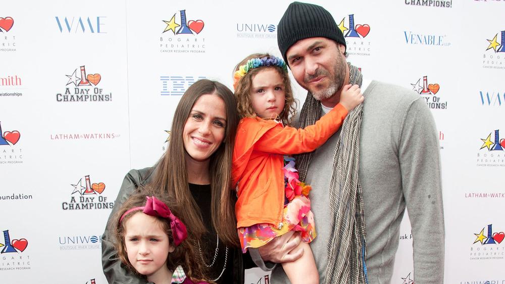 Soleil Moon Frye y Jason Goldberg con hijas