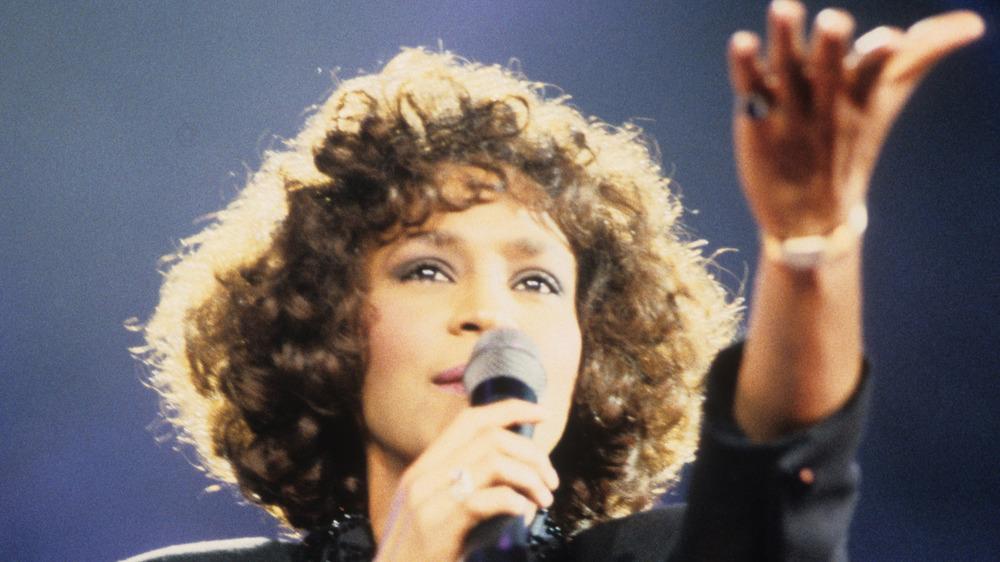 Whitney Houston cantando