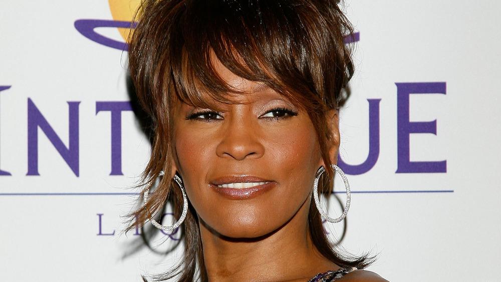 Whitney Houston sonriendo