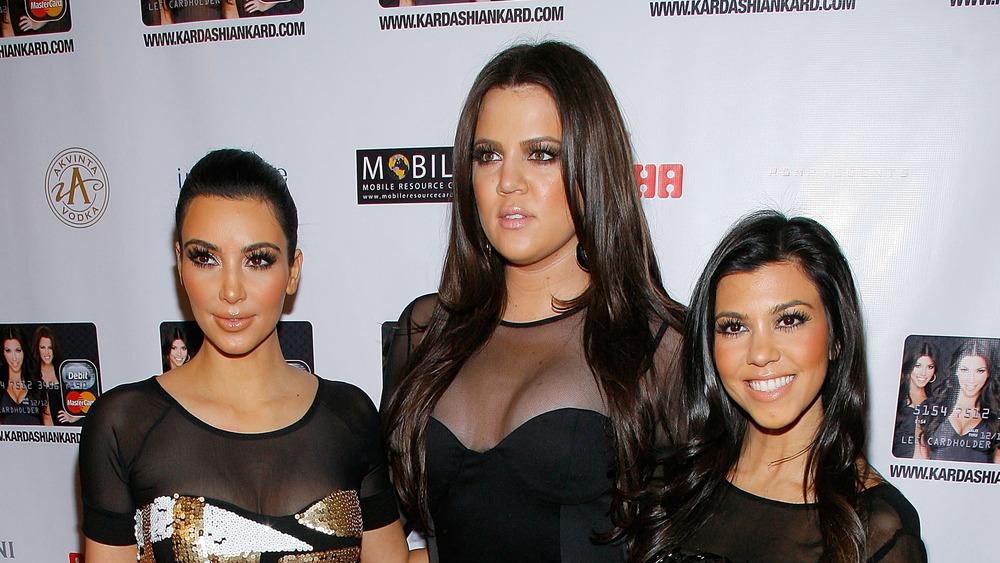 Kim, Khloe y Kourtney Kardashian en el evento de Kardashian Kard