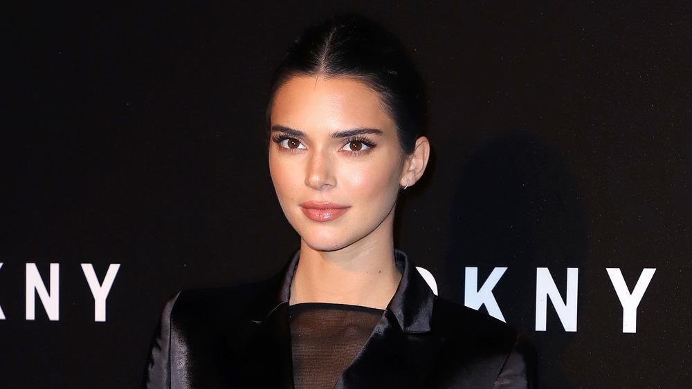 Kendall Jenner posando