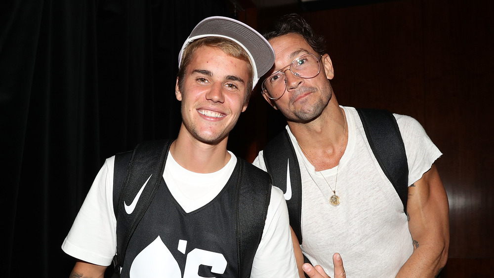 Justin Bieber posa con Carl Lentz