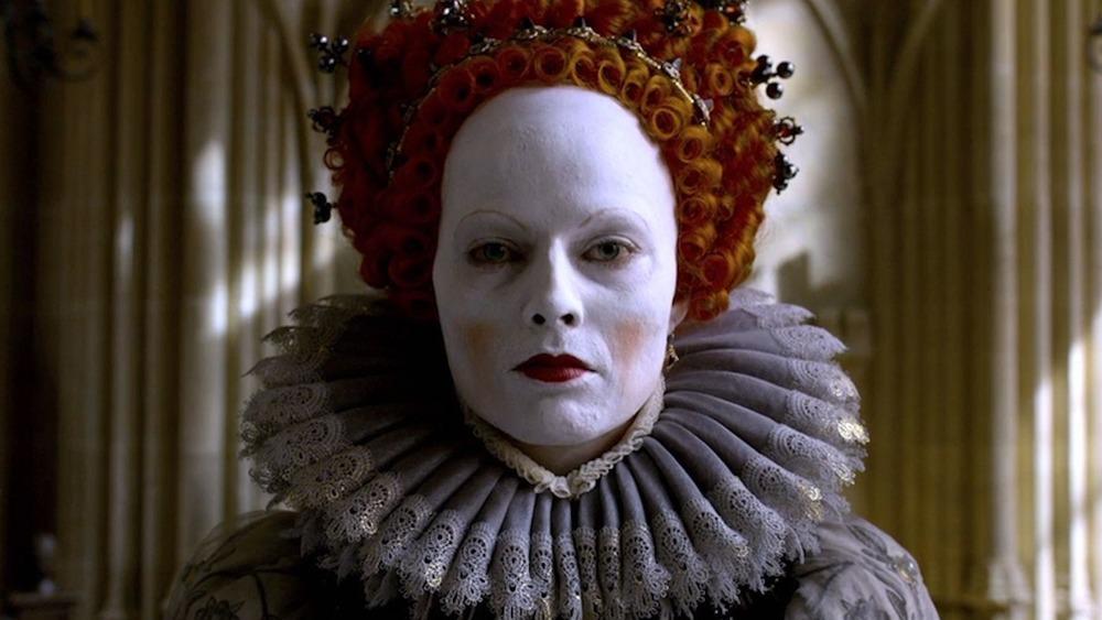 Margot Robbie como Elizabeth I