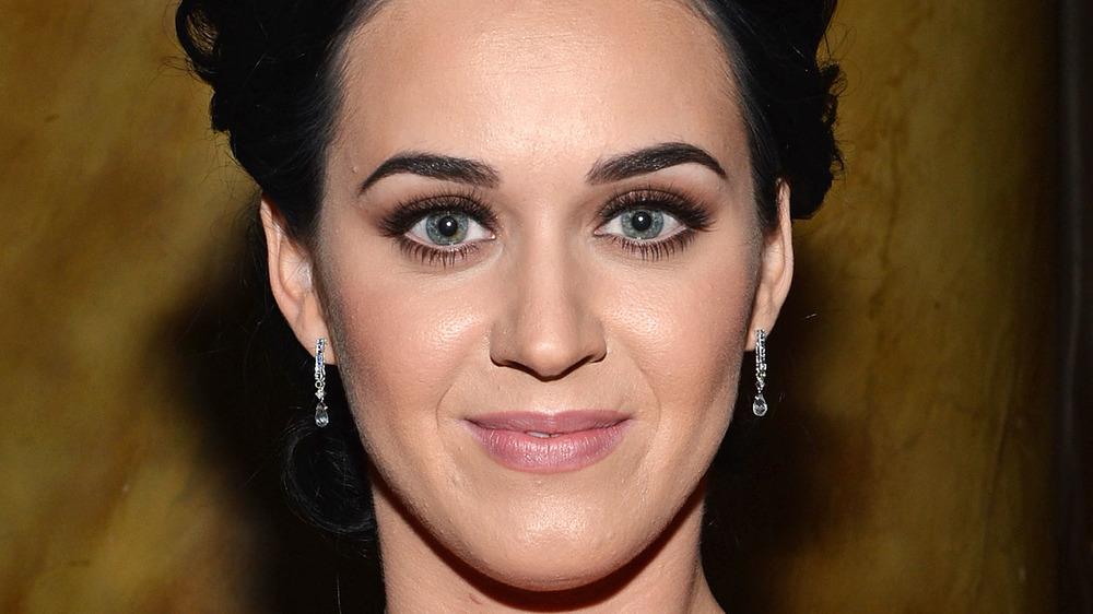 Katy Perry sonriendo