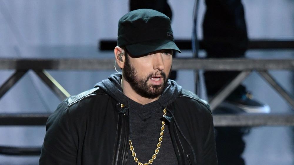 Eminem actuando en los Oscar