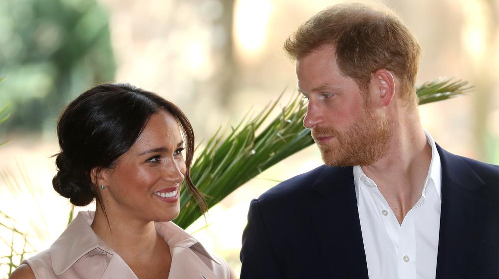 Meghan Markle le sonríe al príncipe Harry