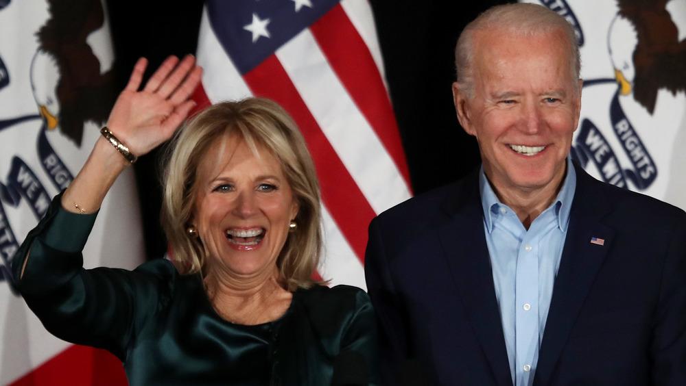 Jill Biden y Joe Biden sonriendo