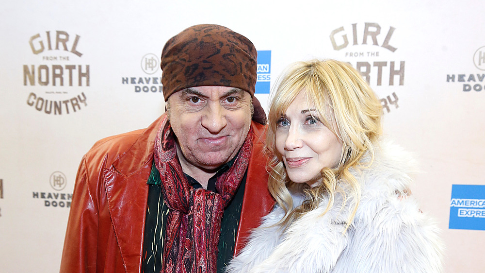 Steven Van Zandt y su esposa Maureen en la alfombra roja