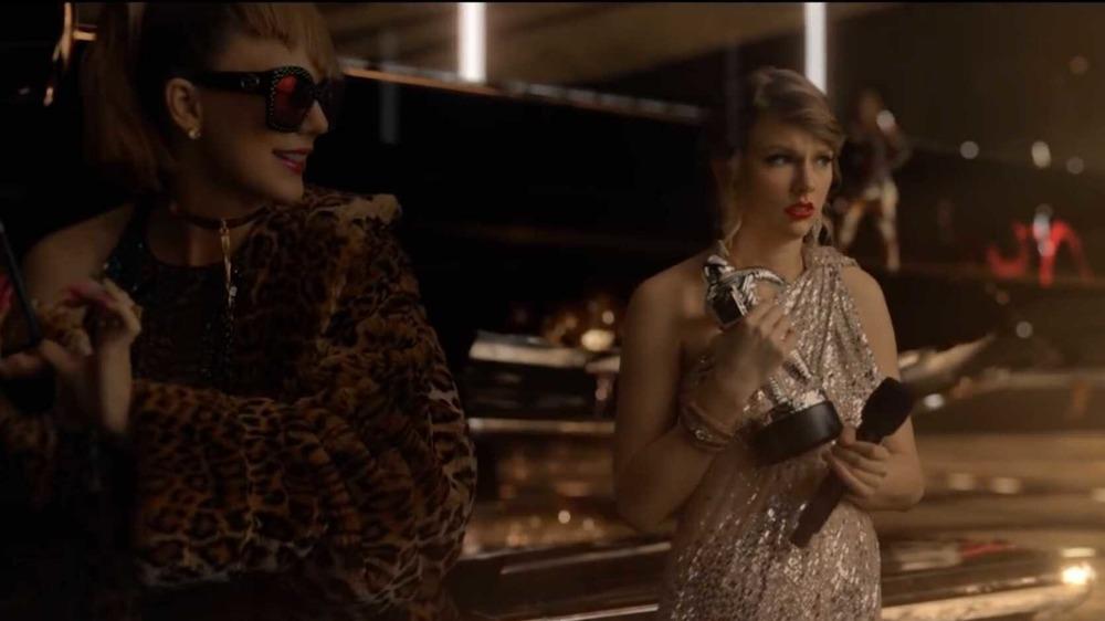 Taylor Swift se vistió como diferentes versiones de sí misma una al lado de la otra en su video musical para Look What You Made Me Do