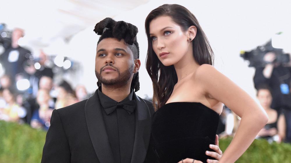 The Weeknd y Bella Hadid en un evento
