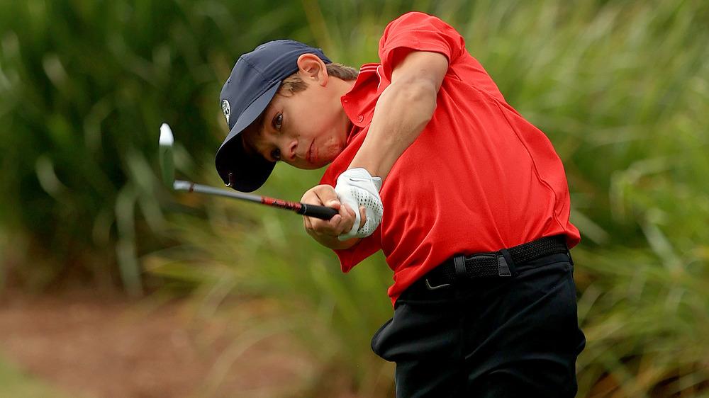 Club de golf oscilante Charlie Woods