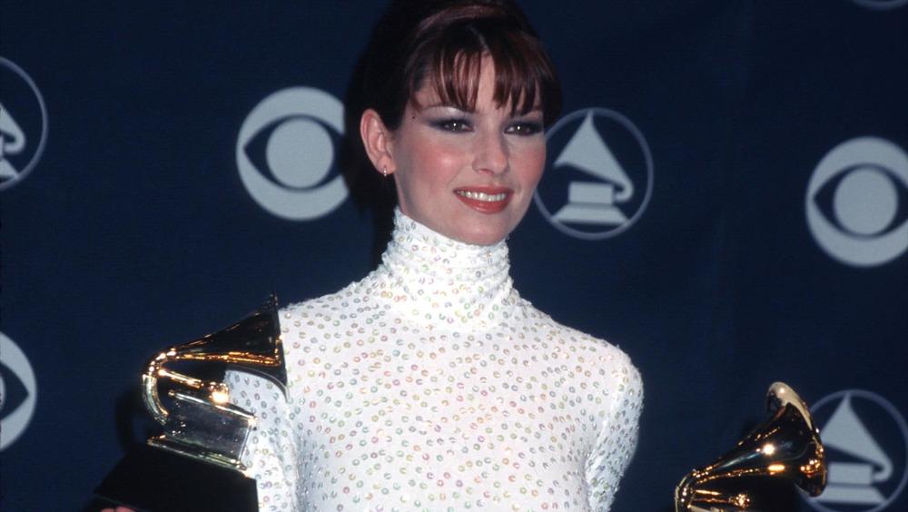 Shania Twain con dos premios Grammy