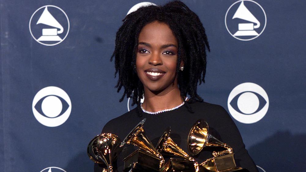 Lauryn Hill tiene varios premios en el backstage de la 41a entrega de los premios Grammy