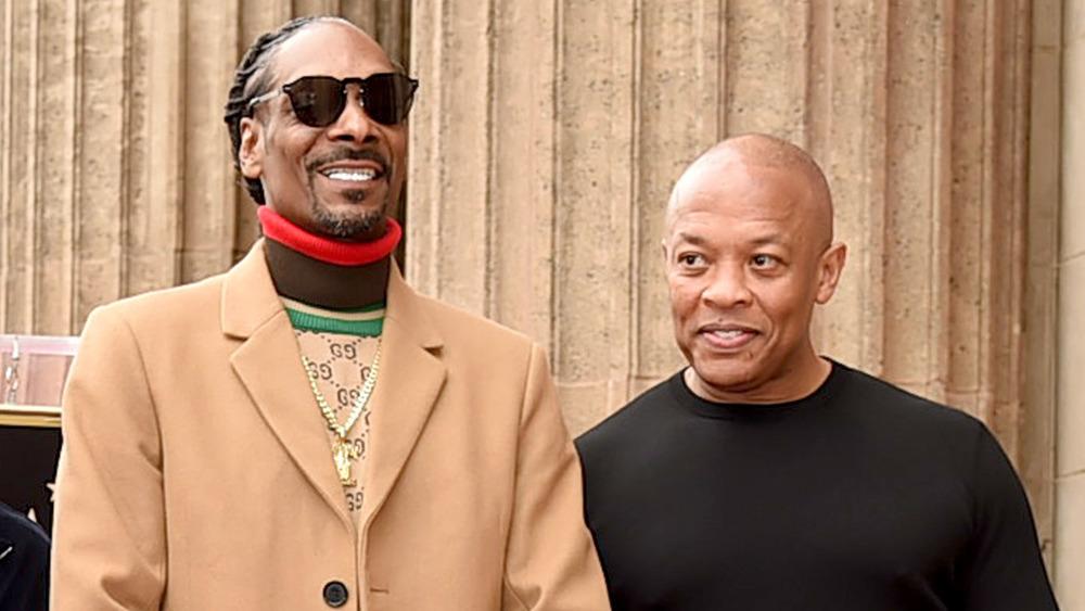 Snoop Dog y Dr. Dre posando juntos