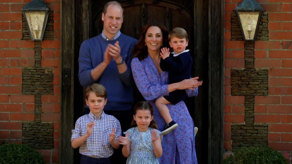 El príncipe William y Kate Middleton posan con sus hijos, el príncipe George, la princesa Charlotte y el príncipe Louis