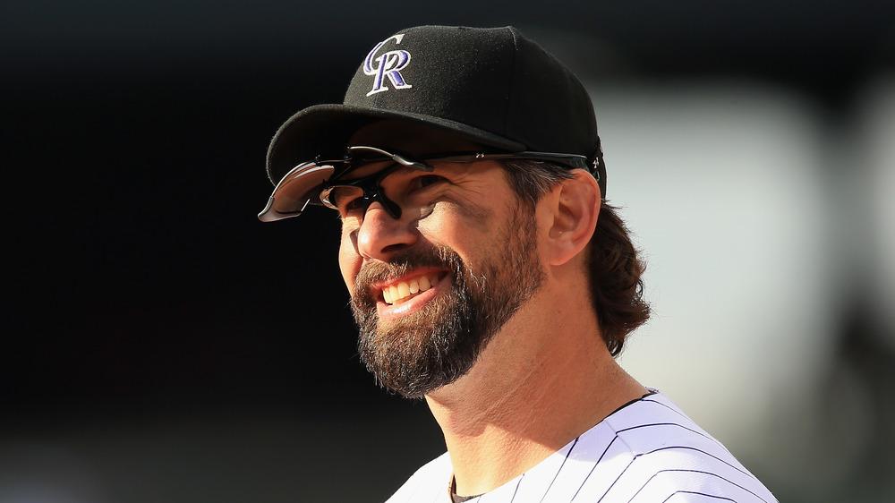 Todd Helton jugando béisbol