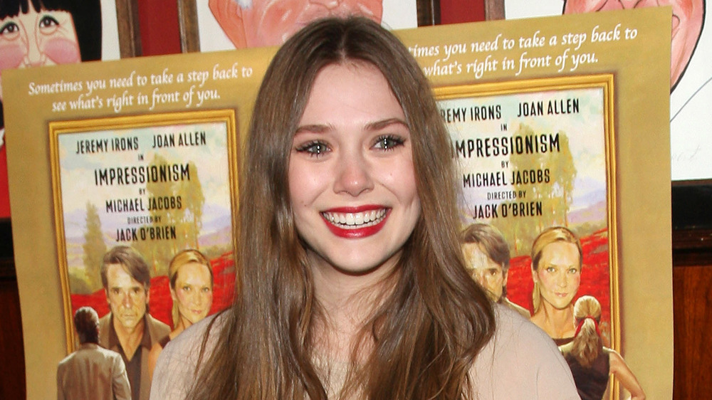 Elizabeth Olsen sonriendo