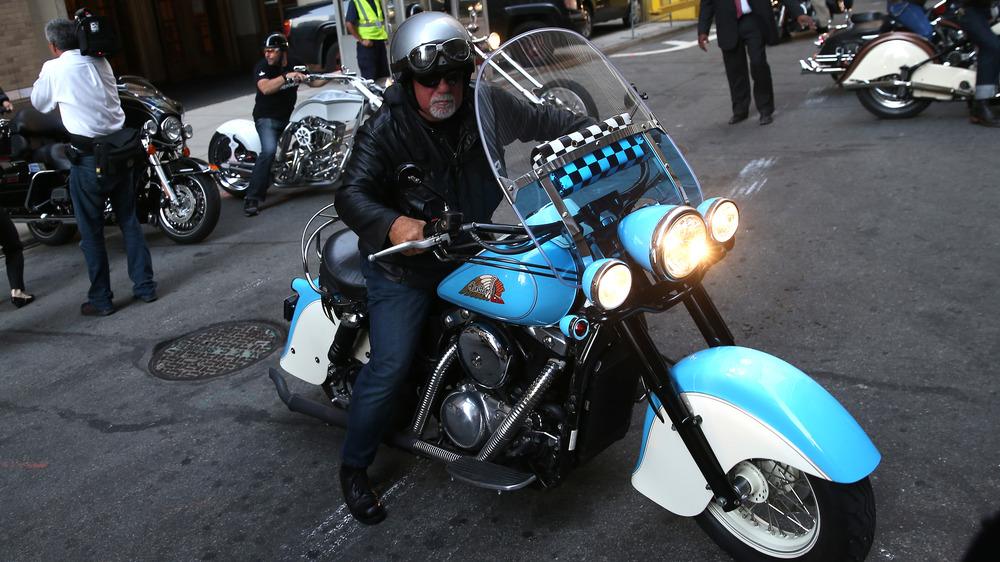Billy Joel en su motocicleta
