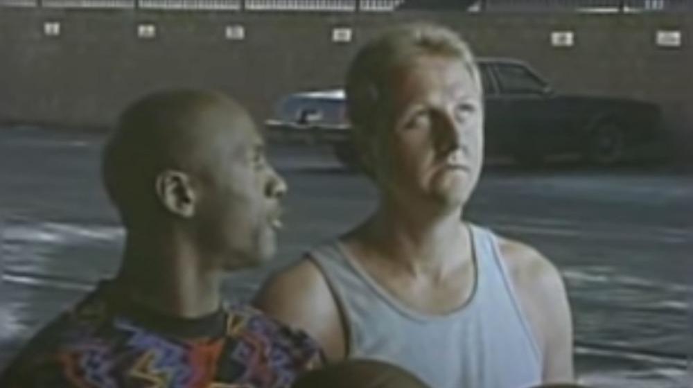 Michael Jordan y Larry Bird charlando