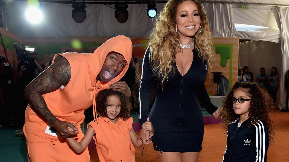 Nick Cannon y Mariah Carey con niños