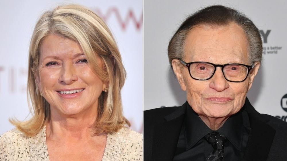 Martha Stewart y Larry King sonriendo