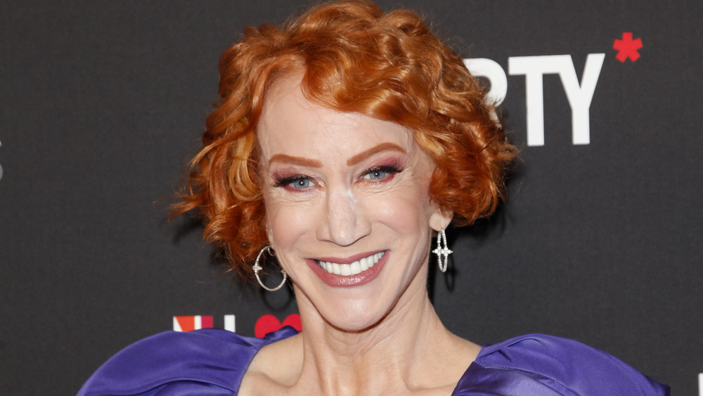 Kathy Griffin sonriendo