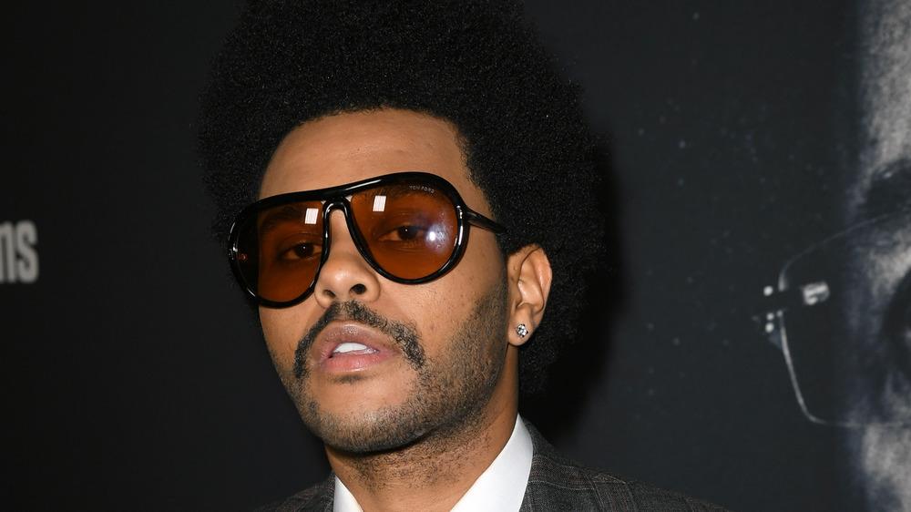 The Weeknd lleva gafas de sol en el estreno de 'Uncut Gems'