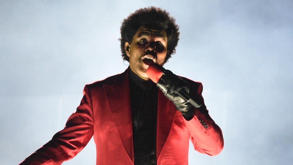 The Weeknd actúa en los VMAs 2020