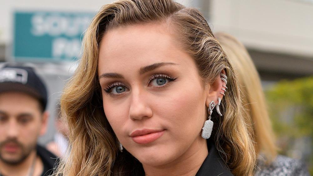 Miley Cyrus sonriendo