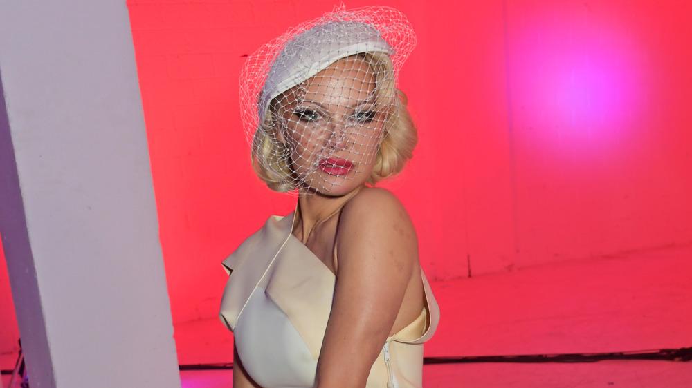 Pamela Anderson en el show de Vivienne Westwood
