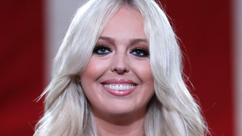 Tiffany Trump sonriendo