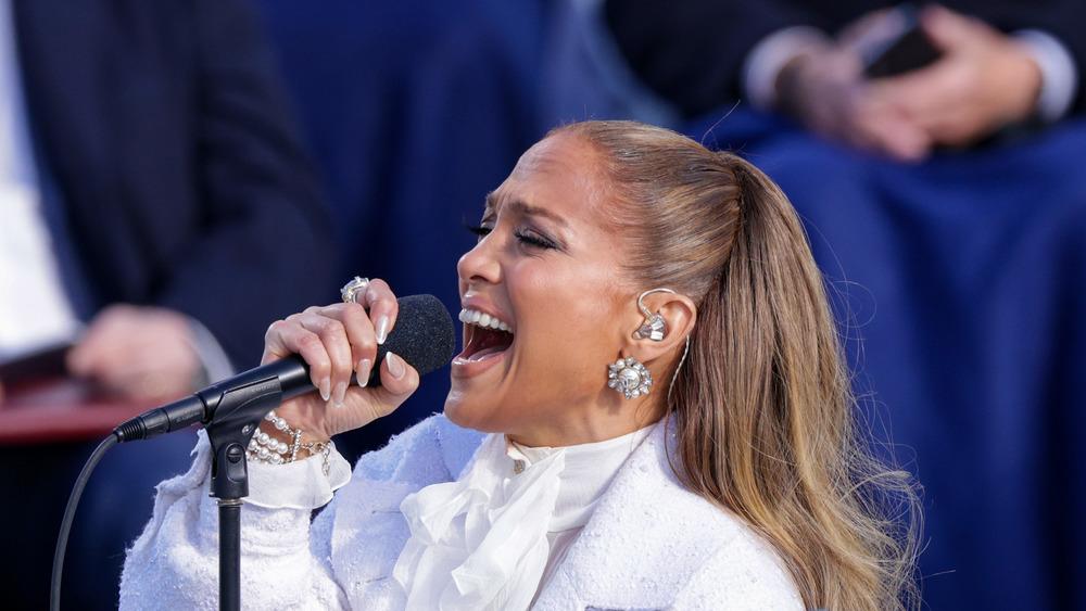 Jennifer Lopez cantando en la inauguración de Joe Biden