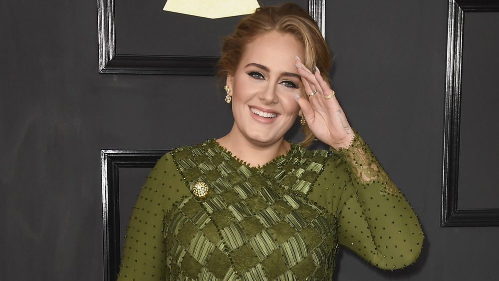 Adele en la 59a entrega de los premios Grammy