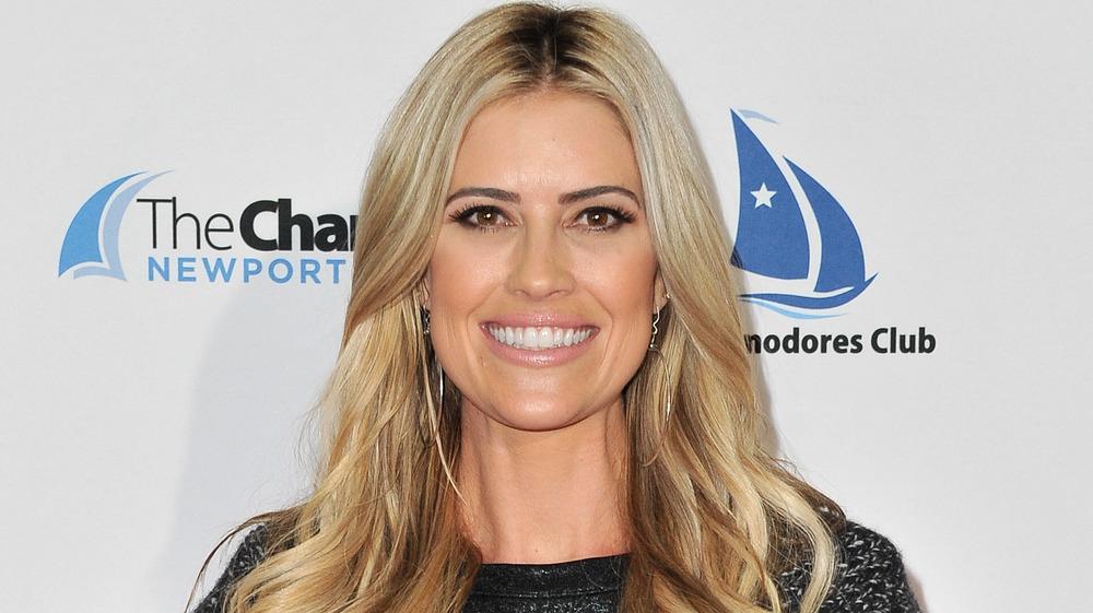 Christina Anstead sonriendo