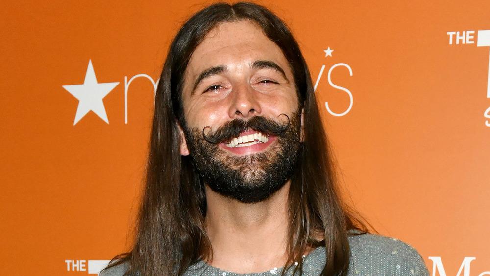 Jonathan Van Ness sonriendo