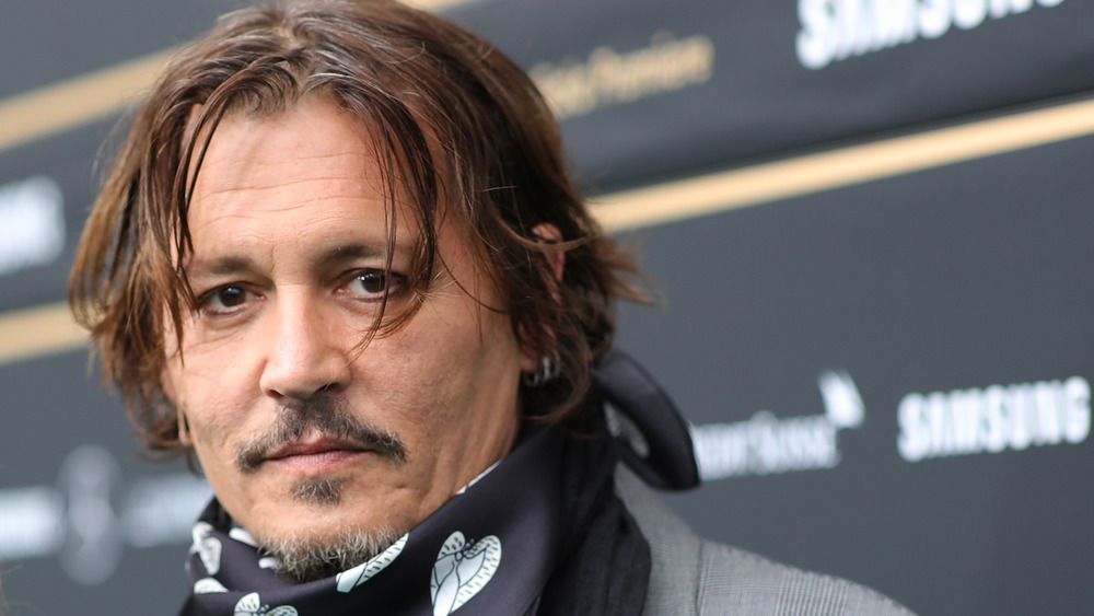 Johnny Depp con bufanda