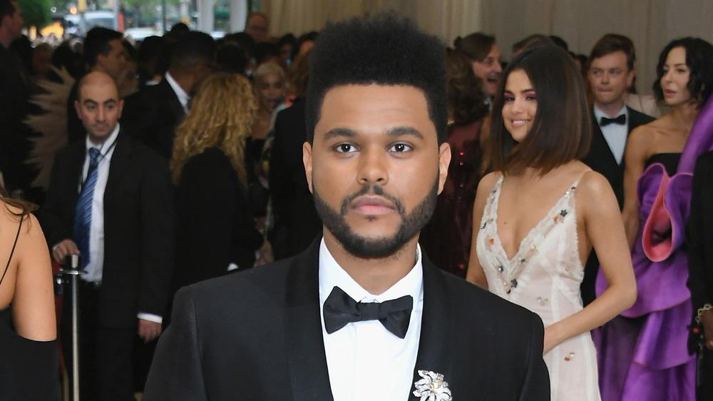 The Weeknd en la alfombra roja